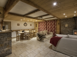 Chalet Blanche is spacious.