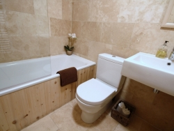 Bathroom facilities at Chalet Jouet