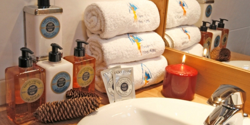 Luxury toiletries with Reach4thelaps