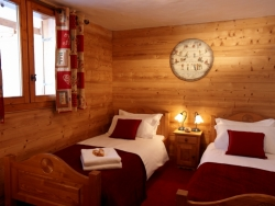 Example of Chalet Renardeaux's charming bedrooms, we accommodate up to 12