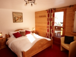 One of Chalet Renardeaux's comfortable bedrooms