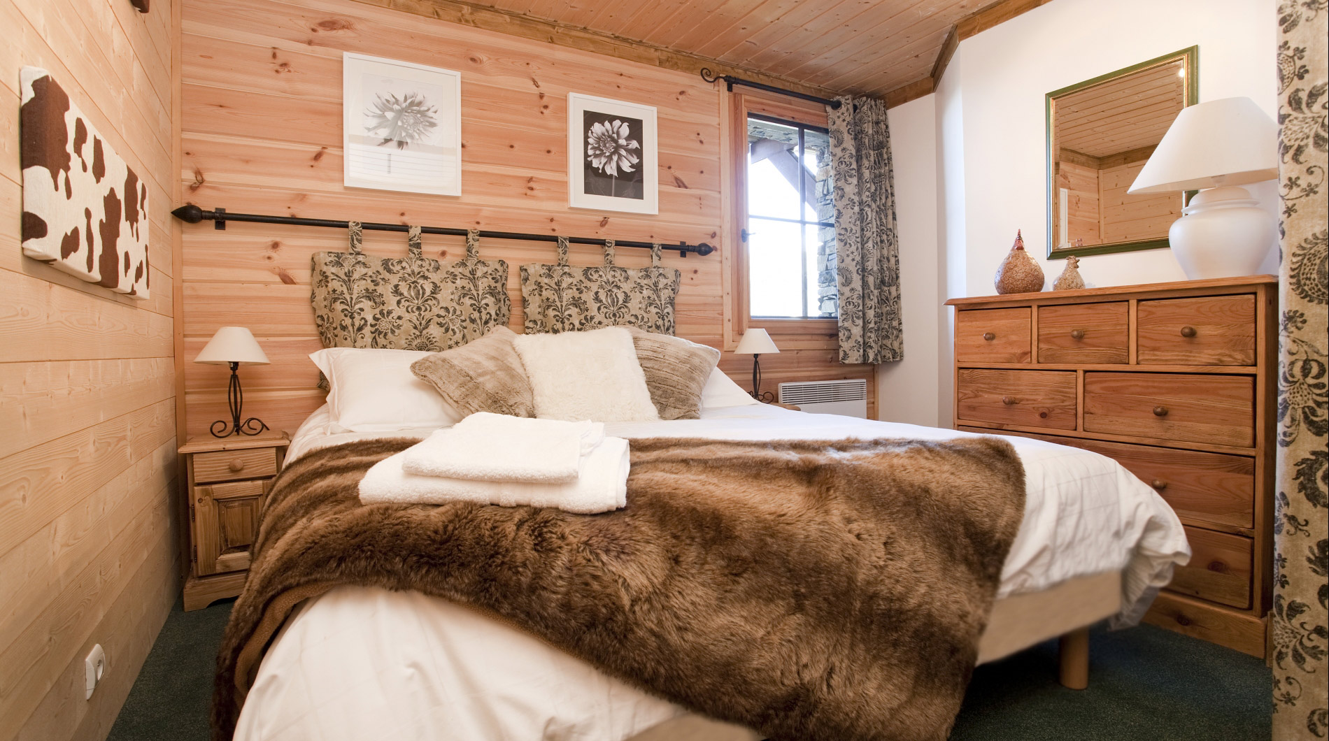 Example of Chalet Johanna *****'s welcoming bedrooms, we accommodate up to 10