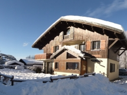 Comfortable Chalet Aventure in Les Gets for up to 16