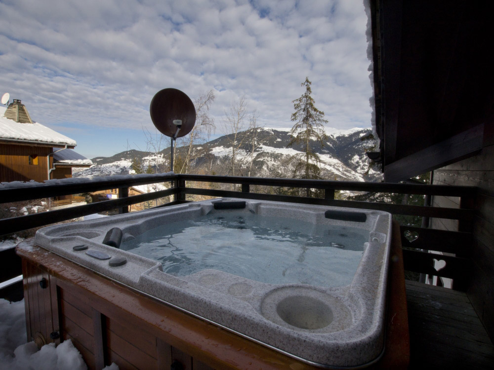 Our lovely jacuzzi, a great feature