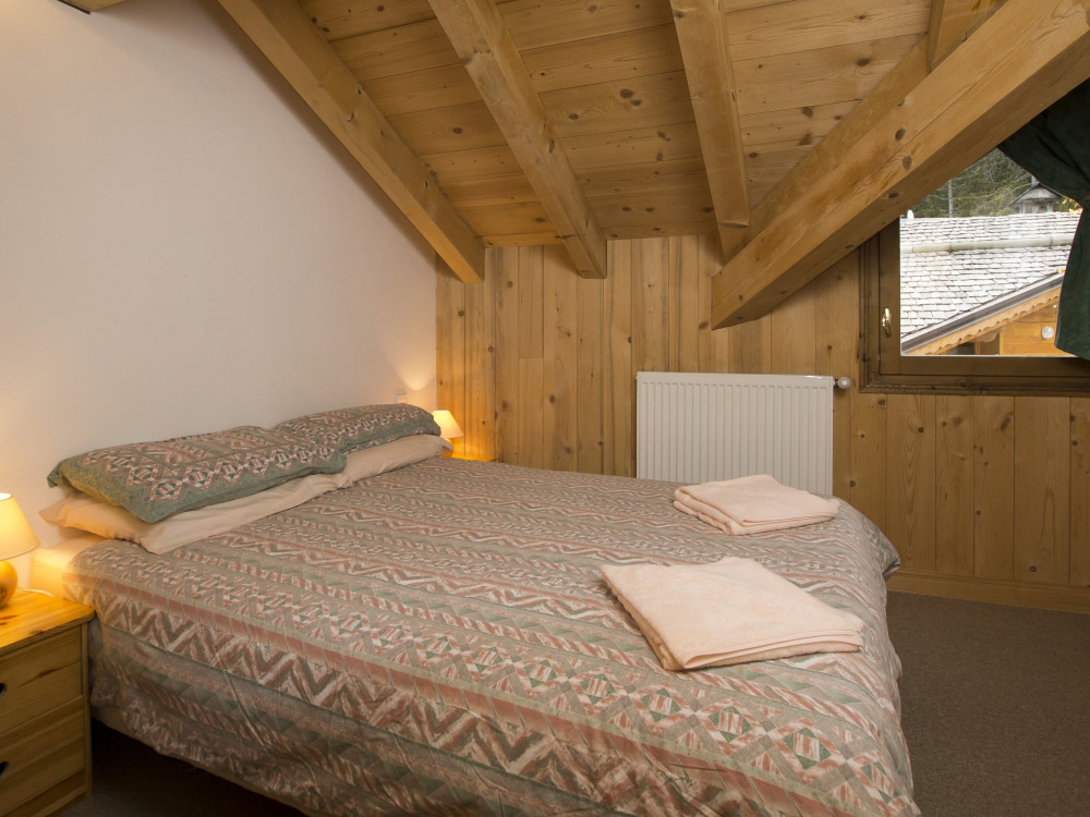 Comfortable bedrooms at Chalet Balkiss in La Tania