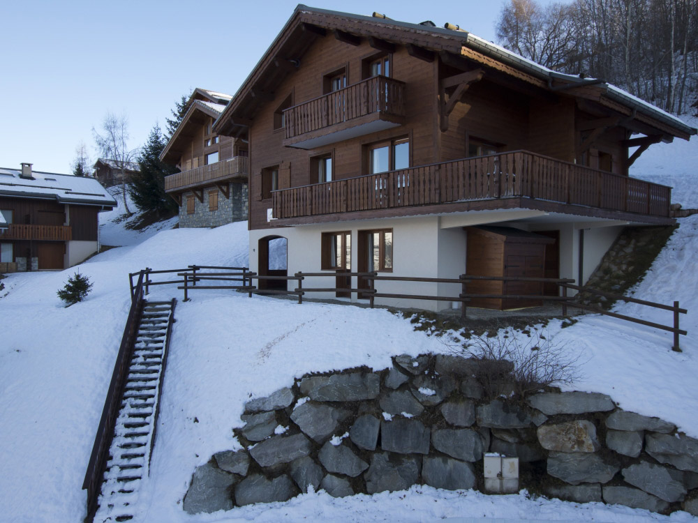 Comfortable Chalet Anniek in La Plagne accommodates up to 16