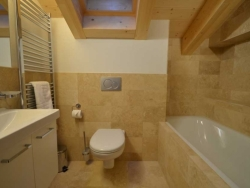 One of the 2 bathrooms at Le Lievre