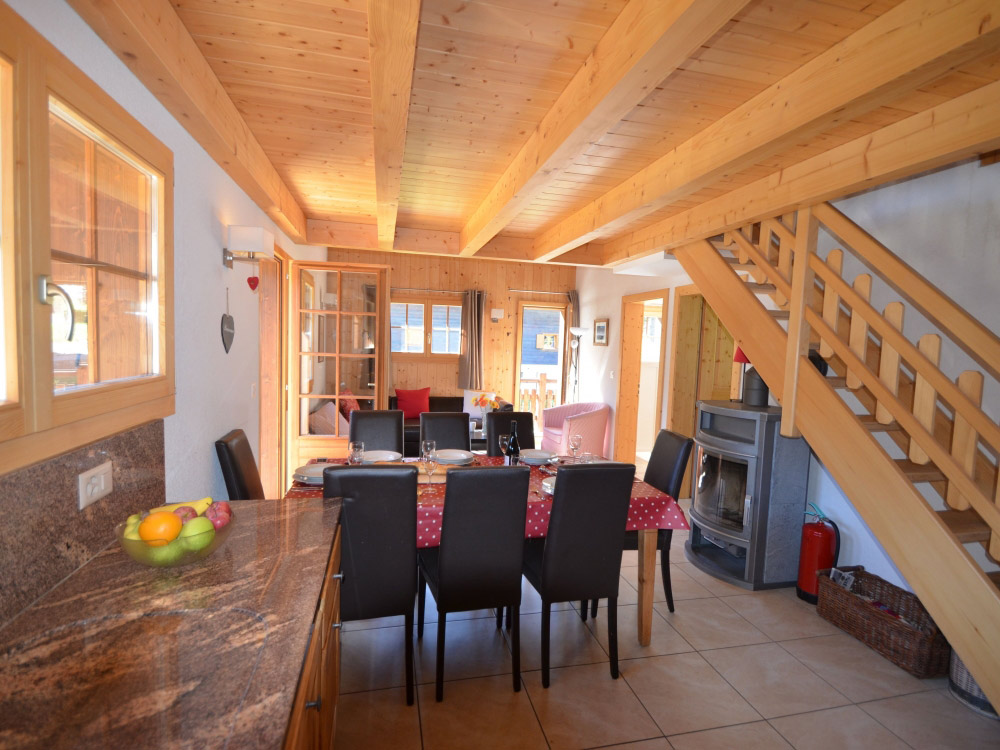 Excellent No 7 Les Vieux Chalet in Grimentz for up to 8