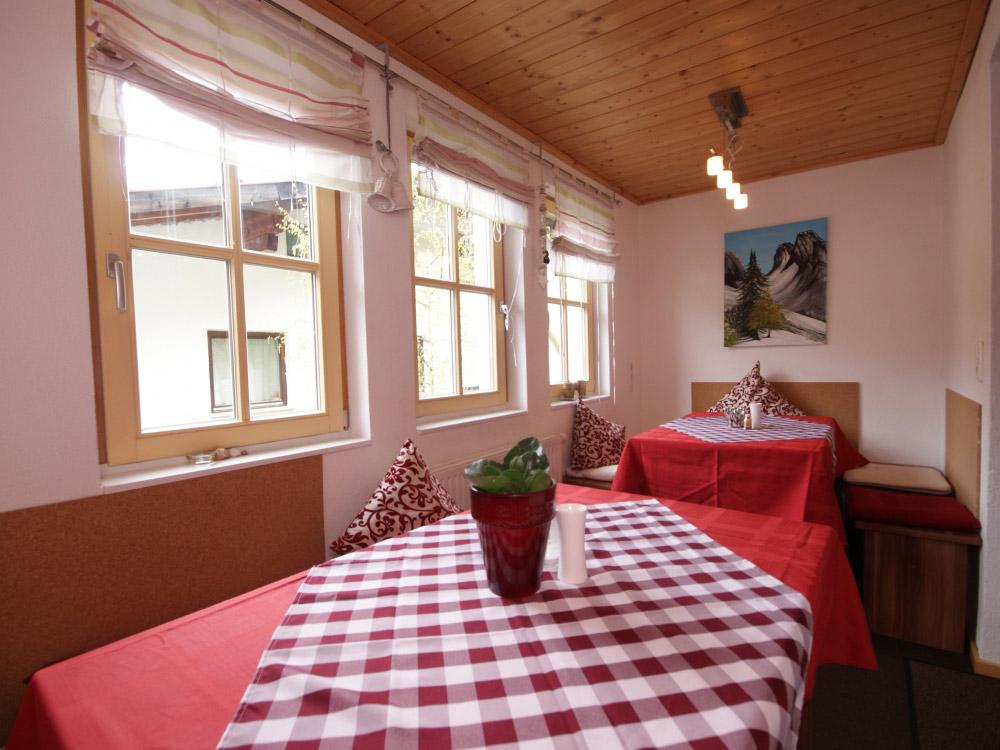 Chalet Waldhausli dining area.