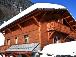 Lovely Chalet Chery des Meuniers in Morzine accommodates up to 16
