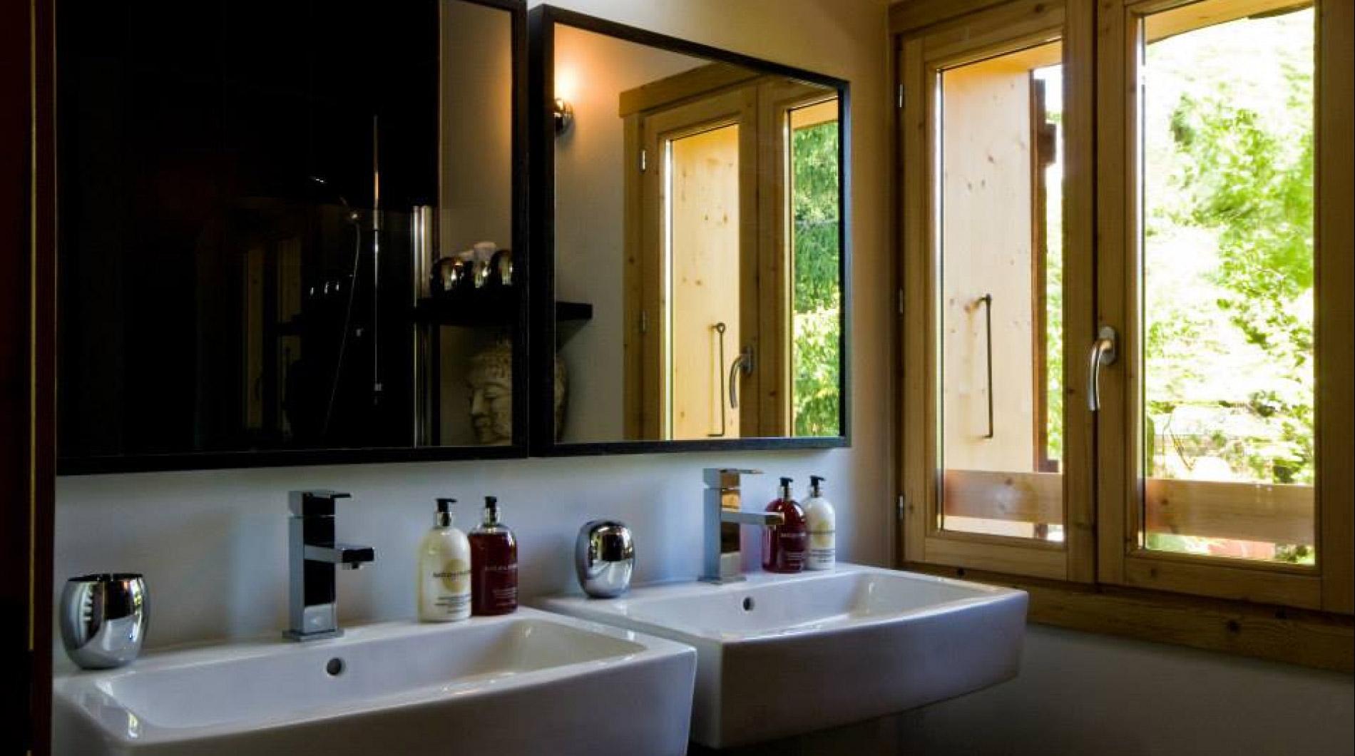 Jo Malone toiletries in our bathrooms during peak weeks