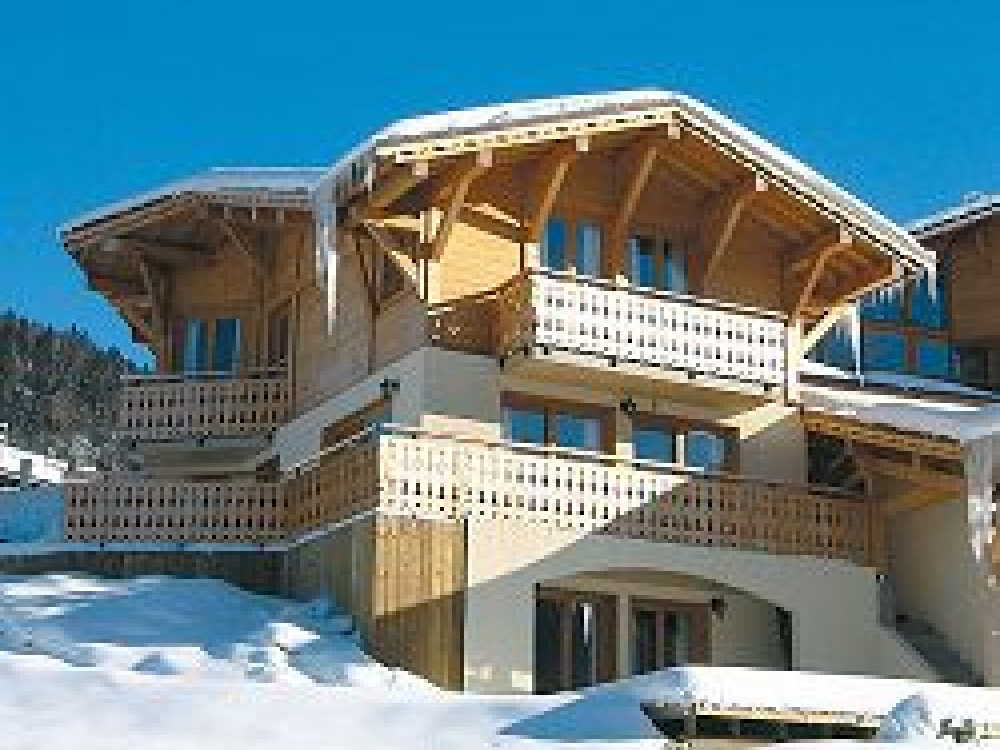 Welcoming Chalet Chantelle in Morzine accommodates up to 14