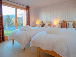 Our rooms can all be arranged with twin or super-king beds at Chalet La Luge
