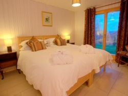 Super-king en-suite bedroom with a fabulous view!