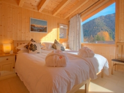 All of Chalet La Luge's lovely en-suite bedrooms can be arranged with super-king or twin beds